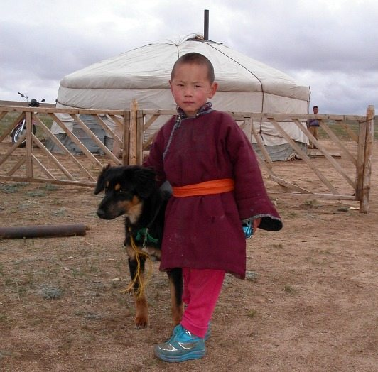 mc-mongolian-nomad-child